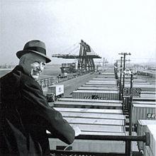 Malcolm McLean invention du conteneur maritime - Cubner