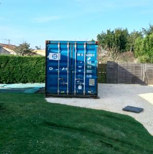 Mise en place d'un container maritime 20 pieds