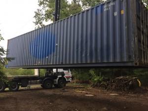 livraison et déchargement d'un container maritime d'occasion 40 pieds ou 12 mètres