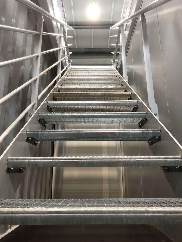 container-escalier